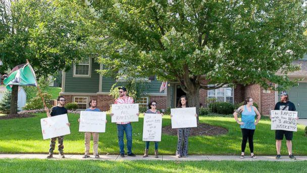 http://a.abcnews.com/images/US/spl_brock_turner_protest_ohio_01_mt_160903_16x9_608.jpg