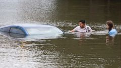Flash Floods Force Thousands in Texas to Flee