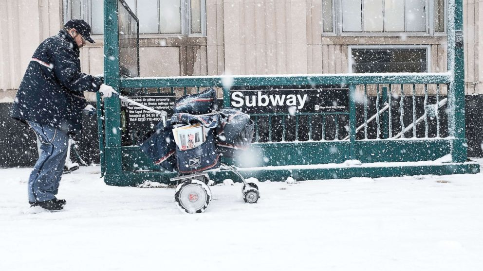 Spring nor'easter slams East Coast: Snow, winds to pummel major cities during rush hour