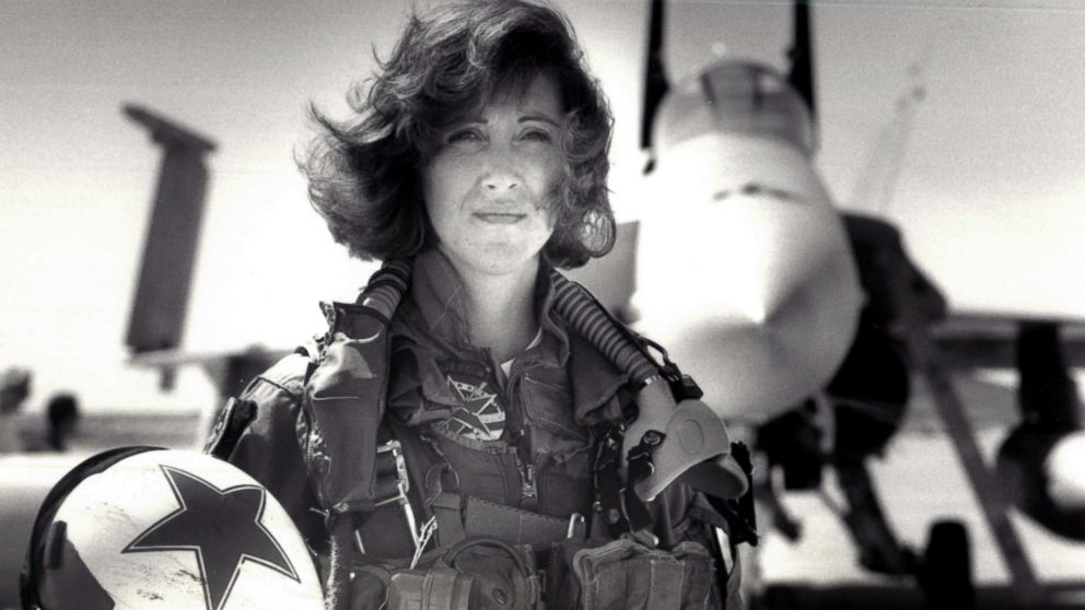 http://a.abcnews.com/images/US/tammie-jo-shults-navy-ht-jc-180418_hpMain_16x9_992.jpg