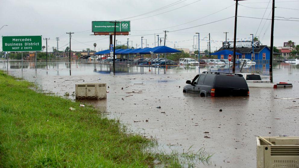 http://a.abcnews.com/images/US/texas-flood2-ap-mem-180621_hpMain_16x9_992.jpg