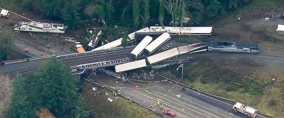 Hasil gambar untuk At Least 3 Dead in Amtrak Derailment in Washington State
