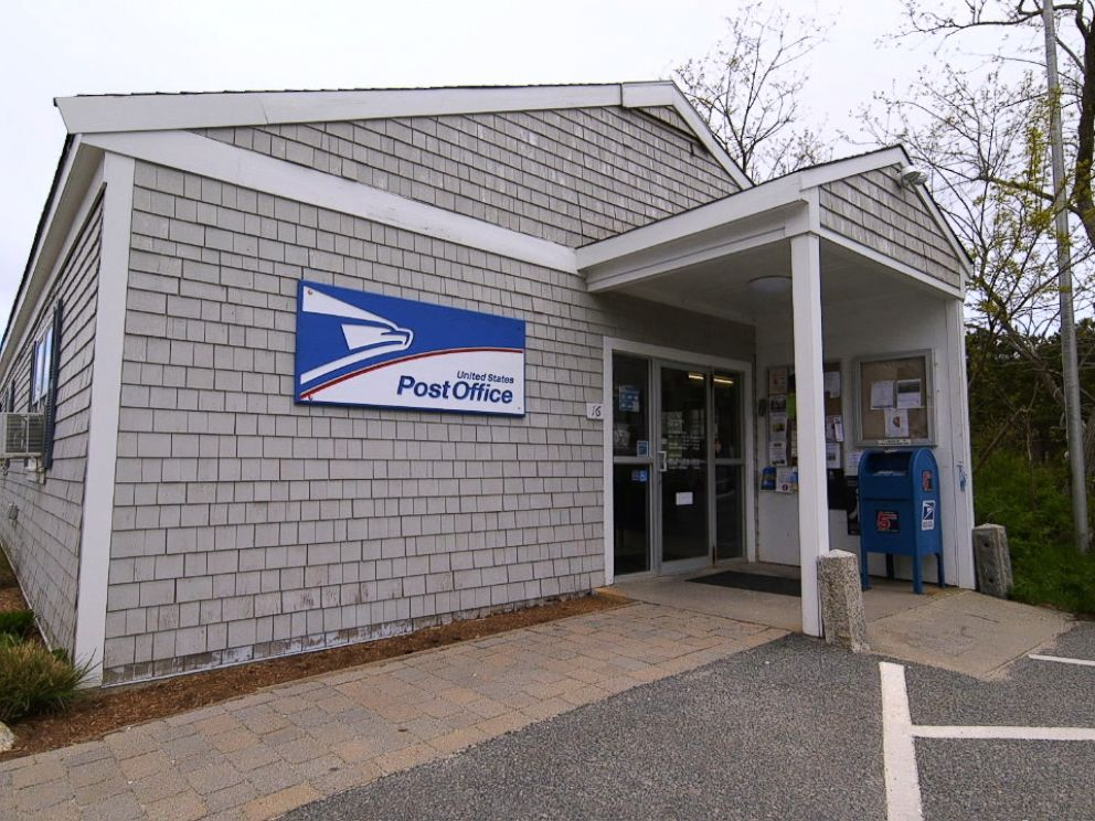 PHOTO: Investigators stood outside the Truro post office in early 2005 to ask men in the community for DNA samples as they were investigating the Christa Worthington murder.
