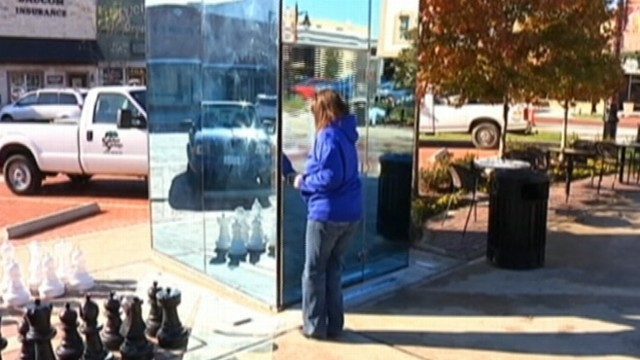 VIDEO: Downtown Sulphur Springs, Texas, opens restrooms with see-through glass walls.
