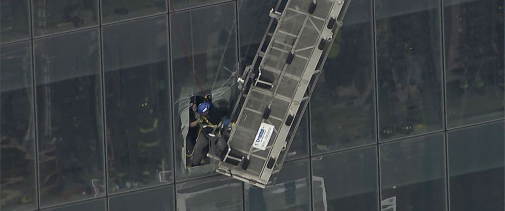 PHOTO: Workers are rescued from a partially collapsed scaffolding at the 69th floor of One World Trade Center, Nov. 12, 2014