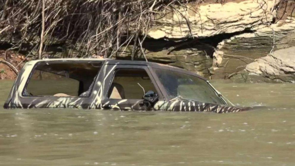 Flood-battered central U.S. girds for new storm