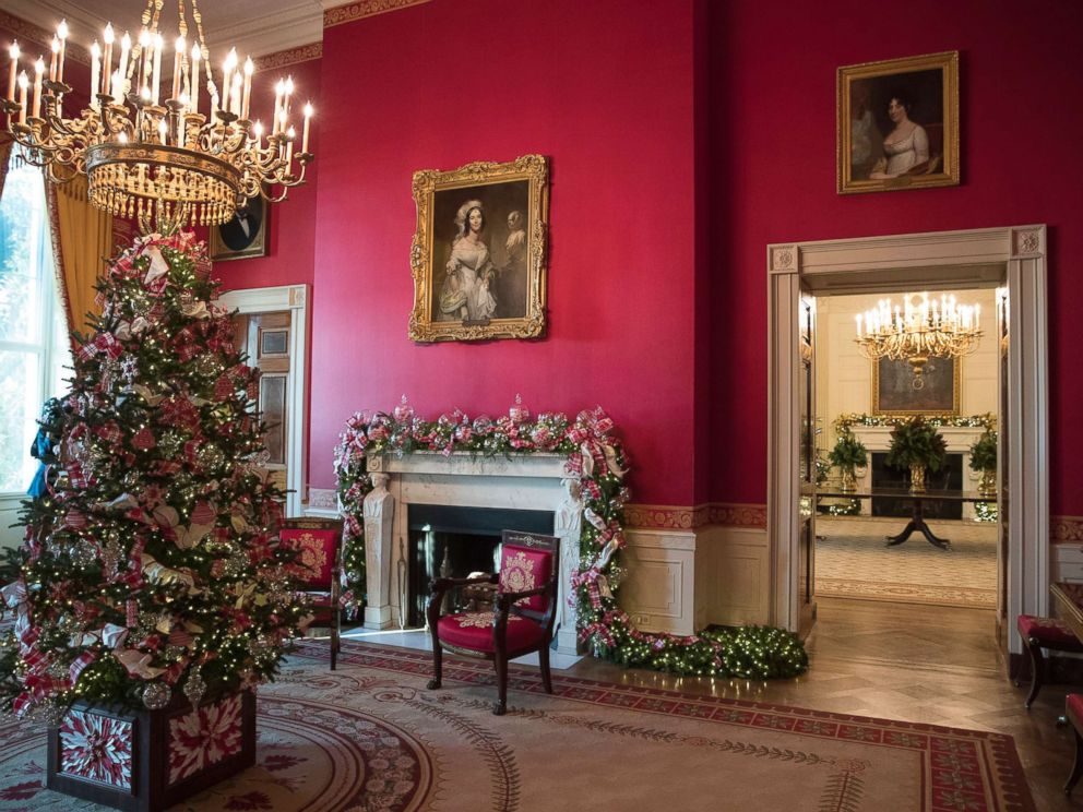 White house reveals 2017 christmas decorations abc news for White xmas decorations