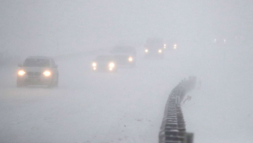 At least 4 dead as monster 'bomb cyclone,' thundersnow wallop Northeast