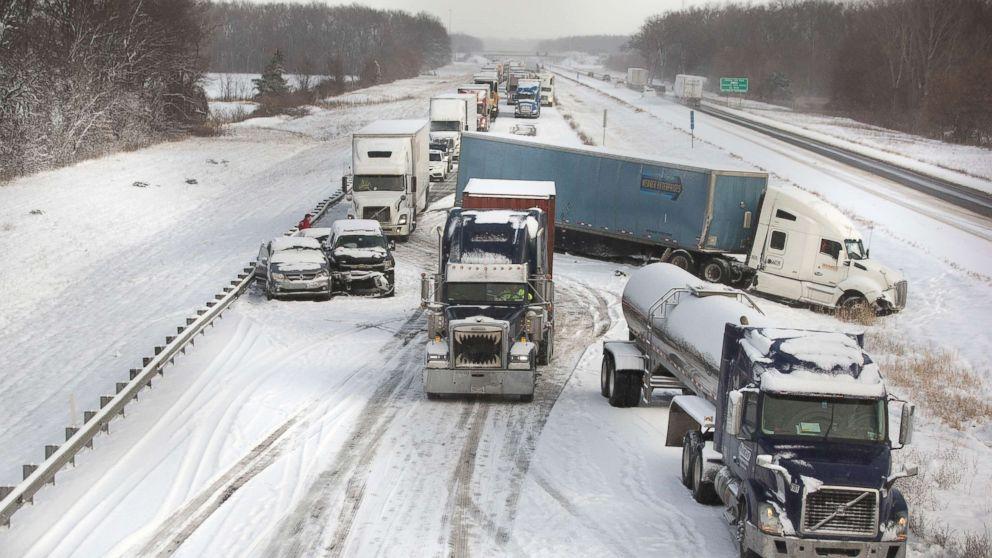 http://a.abcnews.com/images/US/winter-weather-indiana-ap-mem-171213_16x9_992.jpg
