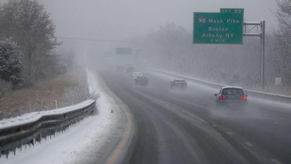 http://a.abcnews.com/images/US/winter-weather-mass-ap-mem-171211_16x9_992.jpg