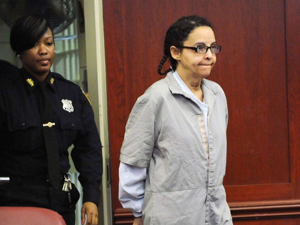PHOTO: Nanny Yoselyn Ortega walks into the courtroom in Manhattan Criminal Court in this March 8, 2013 file photo during her first court appearance.