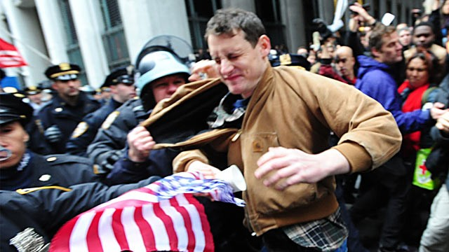 PHOTO: Police arrest Occupy Wall Street protester