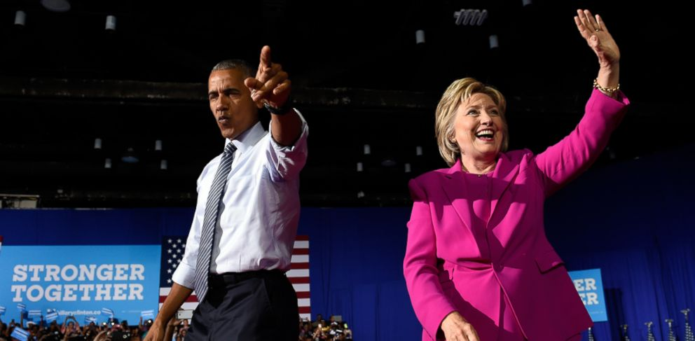 PHOTO: President Barack Obama and Democratic presidential candidate Hillary Clinton wave upon arriving at a campaign event at the Charlotte Convention Center in Charlotte, North Carolina, July 5, 2016.