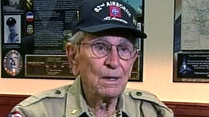 PHOTO World War II veteran Bob Bearden receives purple heart, other awards.