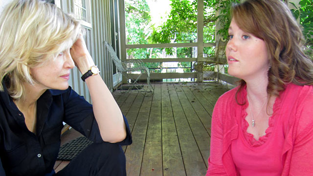 PHOTO: Jaycee Dugard speaks with Diane Sawyer