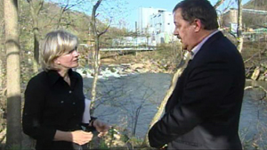 PHOTO Diane Sawyer speaks with Massey Energy CEO Don Blankenship.