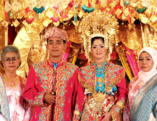 Indonesia–Rituals: Weddings And Funerals