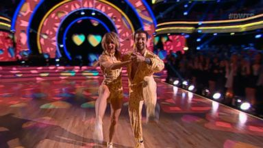 ' ' from the web at 'http://a.abcnews.com/images/WNN/171122_wnn_dwts_pic_16x9_384.jpg'