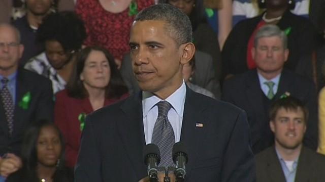 Obama, With Newtown Families, Demands Gun Control Vote
