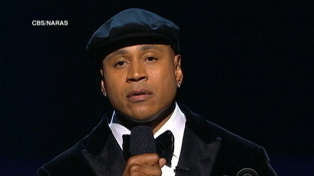 VIDEO: Grammy Awards takes time to honor Whitney Houston.