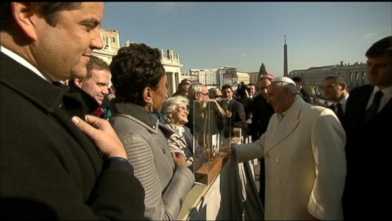 VIDEO: Robin Roberts discusses the experience of being so close to the pope and w
