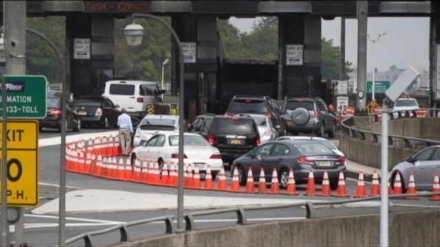 VIDEO: Governor accused of shutting lanes on GWB for political motives, says he was not aware of closings.