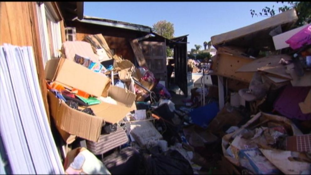 VIDEO: Inspectors Try to Help Hoarders Clean Up Their Act