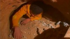 VIDEO: 2008: Gaza Teens Dig Tunnels to Smuggle Supplies