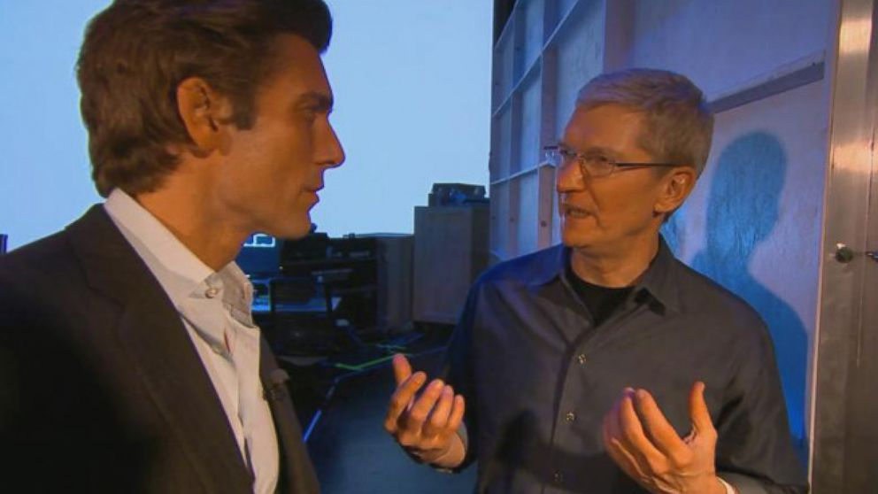 VIDEO: David Muir Exclusive: One-on-One with Tim Cook Moments After Apple Makes History