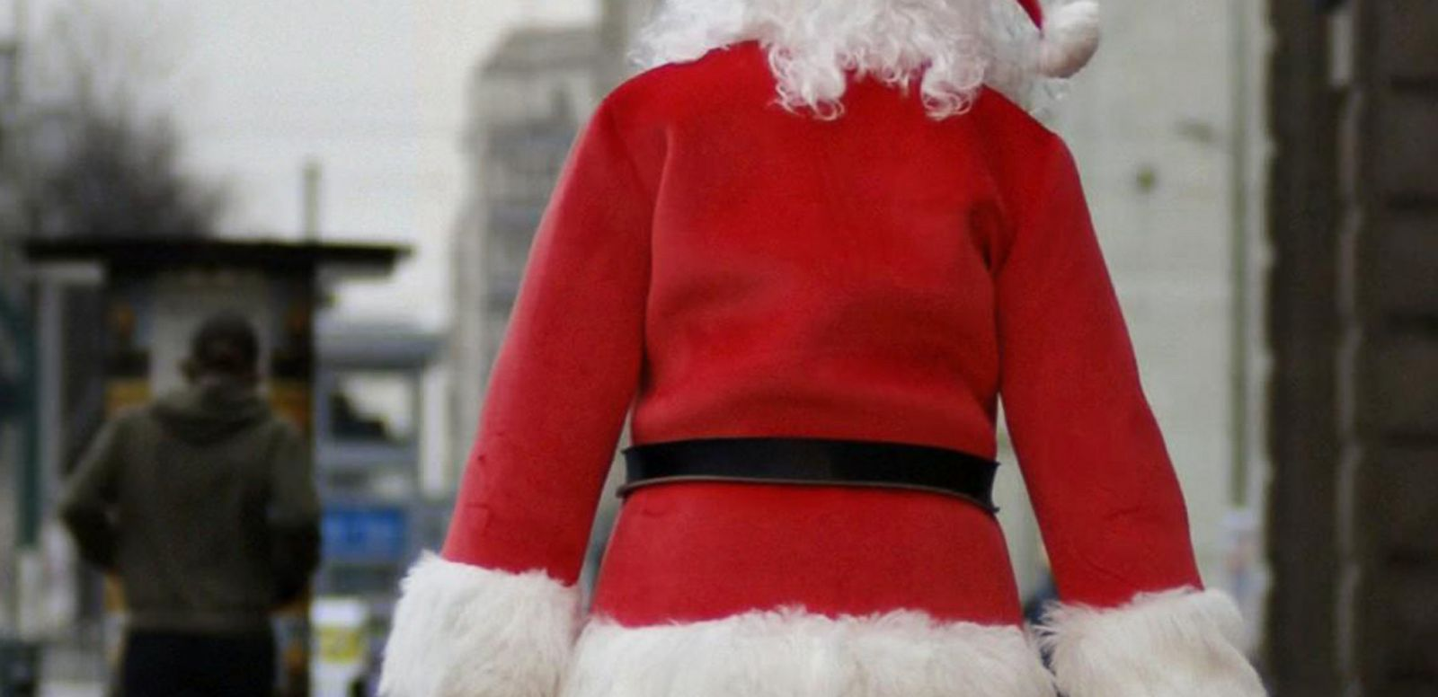 VIDEO: Secret Santas Pay Off Layaways Across the Country