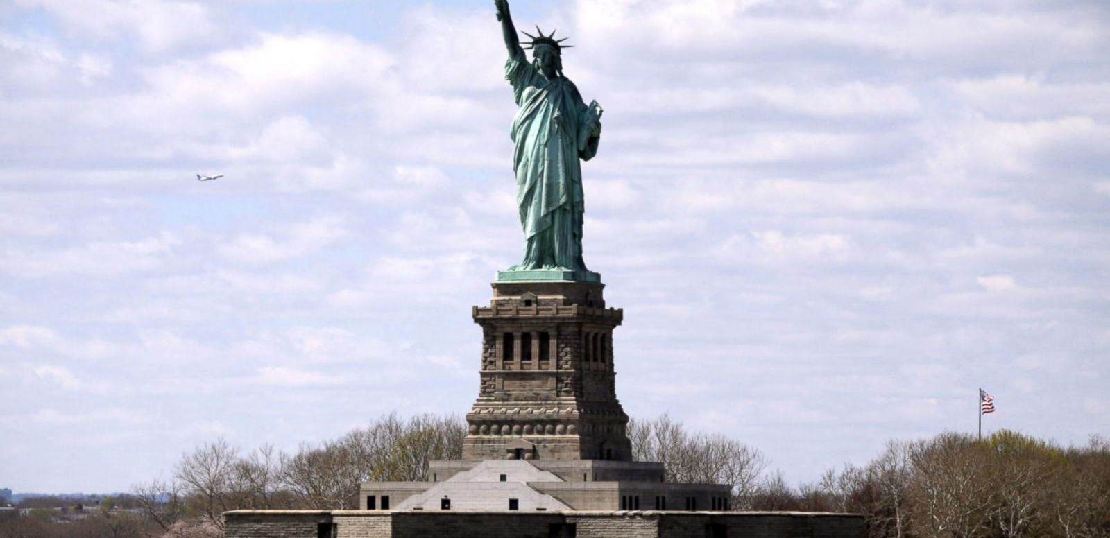VIDEO: Index: Bomb Scare at Statue of Liberty