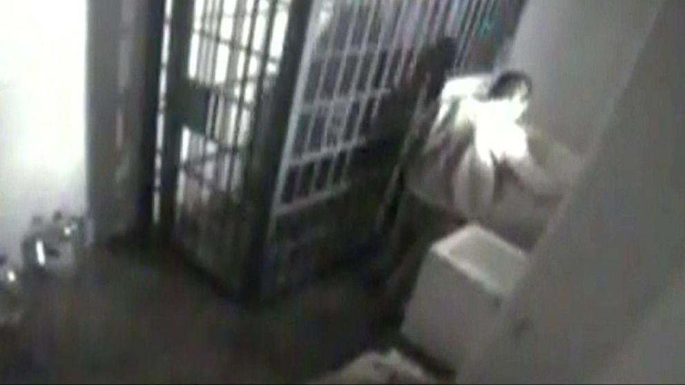 video captures  u0026 39 el chapo u0026 39 s u0026 39  escape video