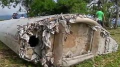 VIDEO: Haunting Clues From Piece of Debris Thought to Be From MH370
