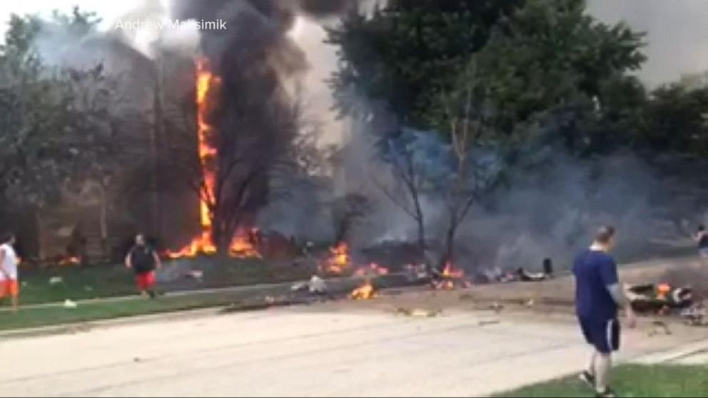 Plane crashes caught on tape video