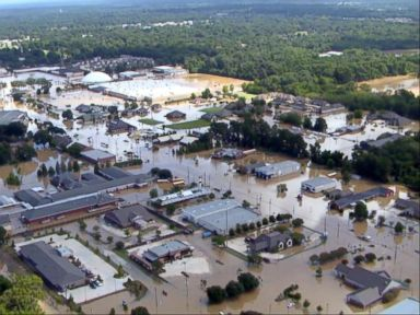 WATCH:  World News 08/15/16: Dangerously Bloated Rivers and Creeks, New Places Hit With Flooding in Baton Rouge, La.