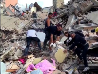 WATCH:  World News 08/24/16: Race to Find Survivors After Deadly Earthquake Hits Italy