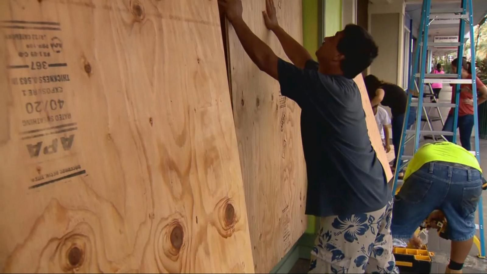VIDEO: Hawaii Threatened By Two Hurricanes