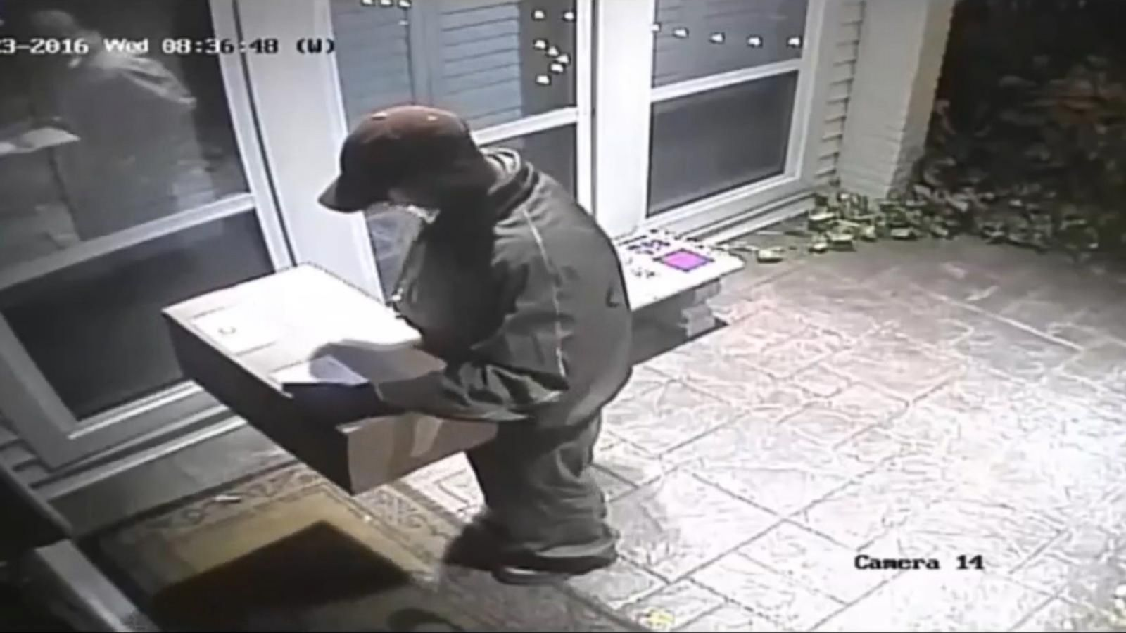 VIDEO: Authorities Warn of Thieves Dressing Up as UPS Drivers