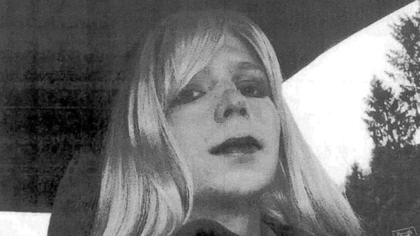 VIDEO: With Three Days Left in Office, Obama Commutes Chelsea Manning's Prison Sentence