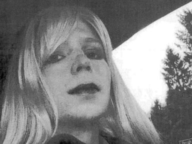 WATCH:  With Three Days Left in Office, Obama Commutes Chelsea Manning's Prison Sentence