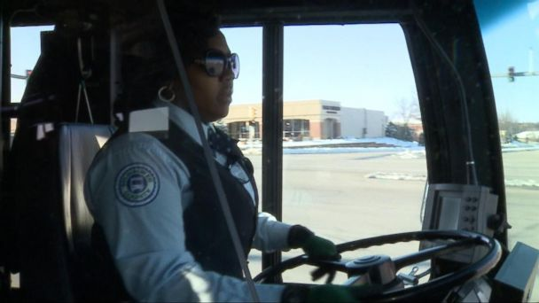 VIDEO: Milwaukee bus driver's good deed captured on camera