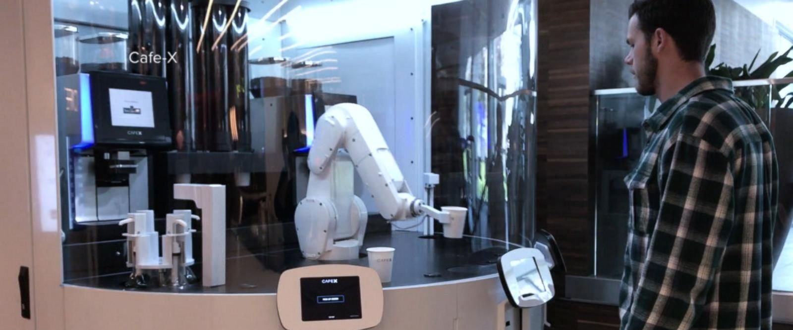 VIDEO: Robots could take more than 38 percent of US jobs in 15 years, report claims