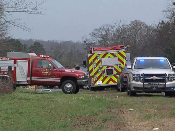 2 teens, 2 adults killed in Alabama plane crash