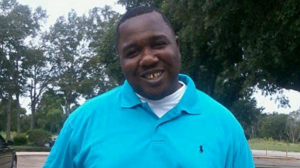 VIDEO: Alton Sterling was killed by police in Louisiana last year, his family now calling for justice