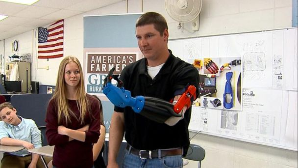 VIDEO: Science teacher and students make prosthetic arm for farmer