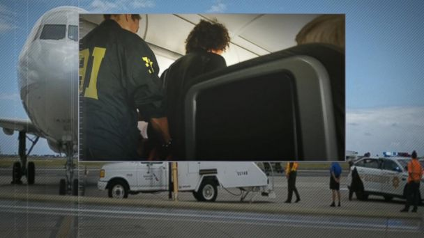 VIDEO: Man who acted erratically on Honolulu flight went through screening twice