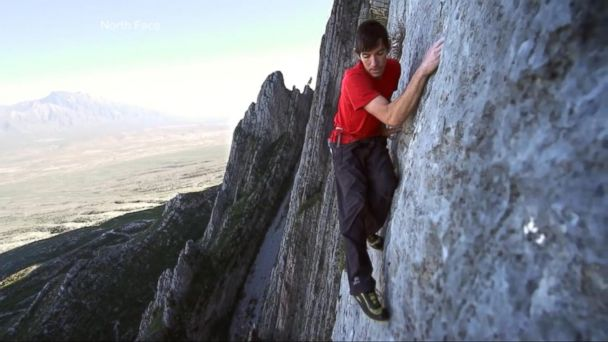 VIDEO: Seasoned climber becomes 1st person to scale Yosemite's El Capitan without ropes or safety gear