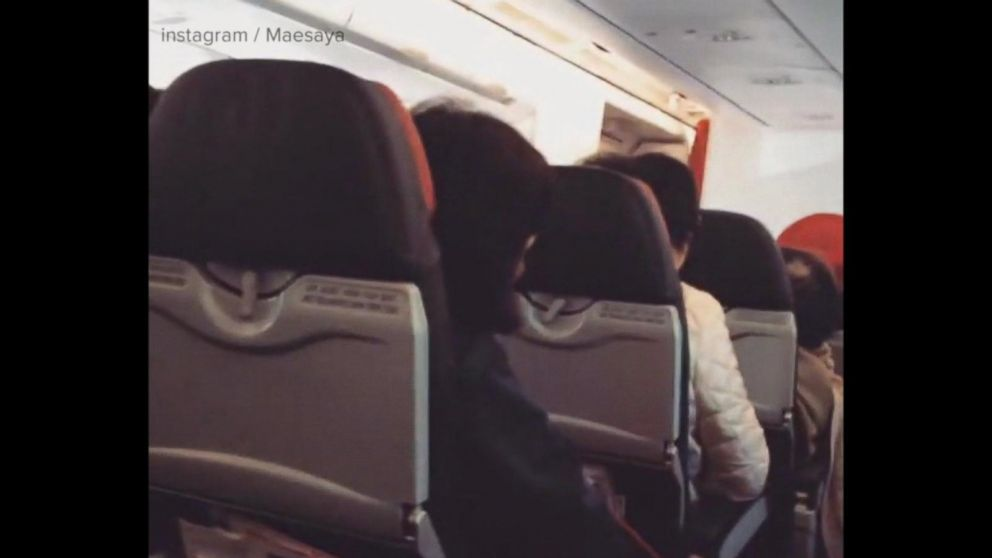 VIDEO: Pilot tells passengers to 'say a prayer' during flight emergency