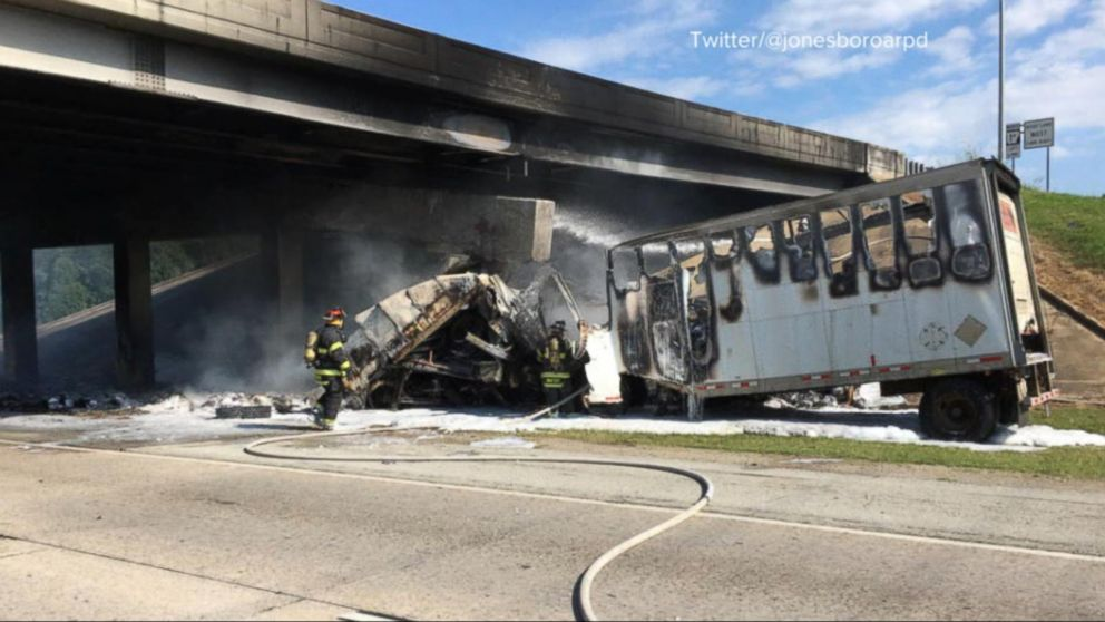 VIDEO: Driver of semi-truck killed in Arkansas