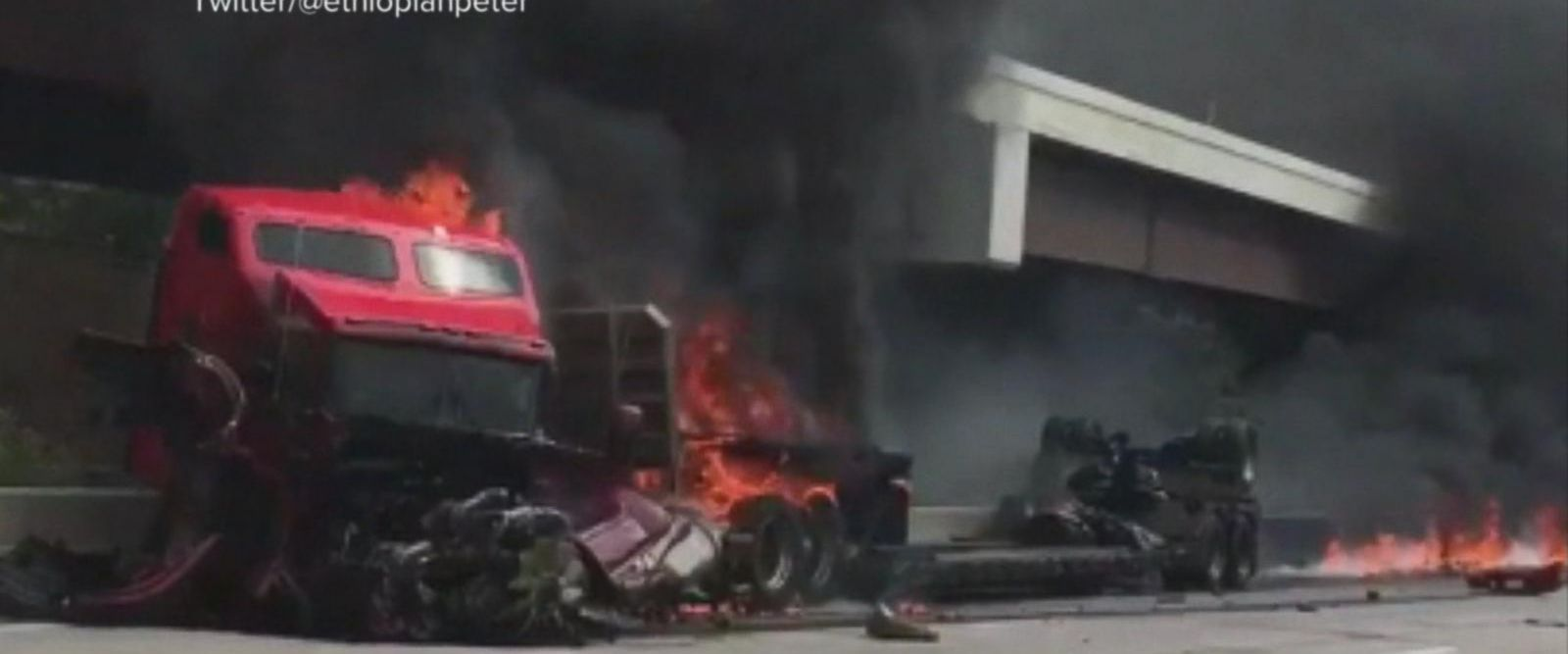 VIDEO: Fiery crash snarls traffic in Kansas City, Missouri
